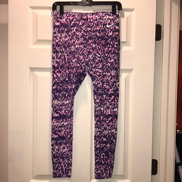 e0e60053894278 ... Purple Leopard Print leggings. M_5bbcd9eedf030725b5abee49
